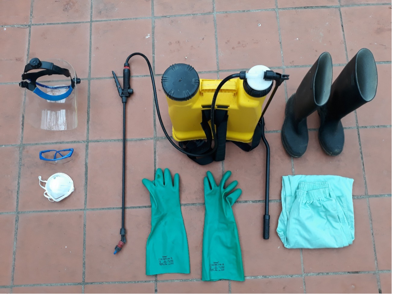 Equipamento de pulverização e EPI necessários nas operações de adubação